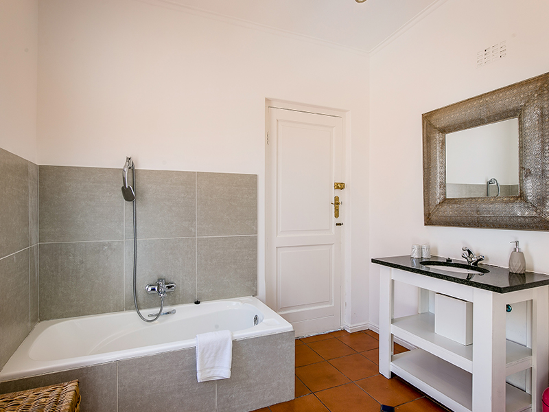 Villa Andrea bathroom